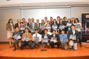 De los universitarios que participan en el XXVIII Verano de la Investigación Científica (VIC) de la Academia Mexicana de Ciencias (AMC), un total de 22 estudiantes de licenciatura en el área de biomédicas de diferentes universidades del país fueron becados por el Instituto Científico Pfizer (ICP).