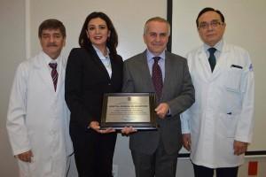 En este evento también estuvieron el director de Servicios Médicos Hospitalarios, Felipe Núñez Kaufmann, y el jefe del Departamento de Trasplantes, Juan Manuel Sandoval Cuéllar; entre otras personalidades.