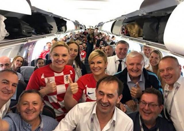 La presidenta de Croacia destacó por su apasionado entusiasmo en apoyo el equipo de su país en el Mundial de Futbol en Rusia.