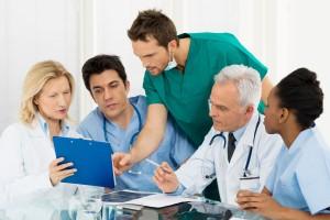 La importancia de la cooperación entre especialidades y la medicina interna