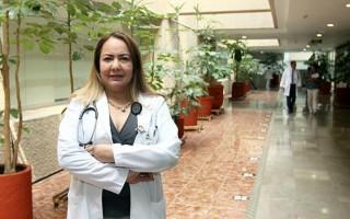 La doctora Karina Lupercio Mora, de la Jefatura de División de Educación en Salud del Hospital de Cardiología del Centro Médico Nacional Siglo XXI.