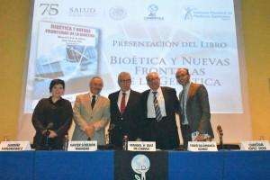 SALUD-20180809-Presentación-del-Libro-Bioetica-y-Nuevas-Fronteras-de-la-Genética-09