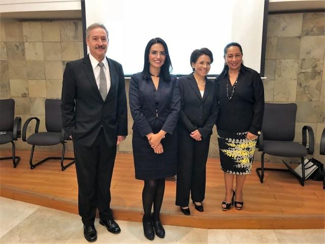 De izquierda a derecha: Dr. José Antonio Basilio Ayala, Dra. Erika Torres, Dra. Josefina Lira y Lic. Patricia Chemor