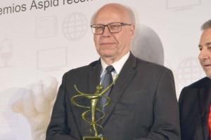 Por el trabajo desempeñado frente a la Secretaría de Salud en estos últimos años, José Narro Robles fue reconocido por Premios ASPID de Comunicación y Publicidad Iberoamericana de Salud y Farmacia, como el Personaje del Año 2018.