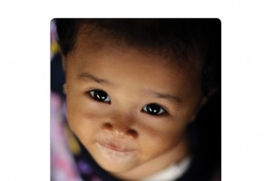 Los niños que viven en los países con mayores tasas de mortalidad tienen hasta 60 veces más probabilidades de morir en los primeros cinco años de vida que los de los países donde la mortalidad es menor.