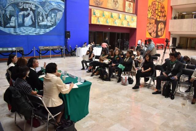 Momento de abrir diálogo respecto a legalización del aborto