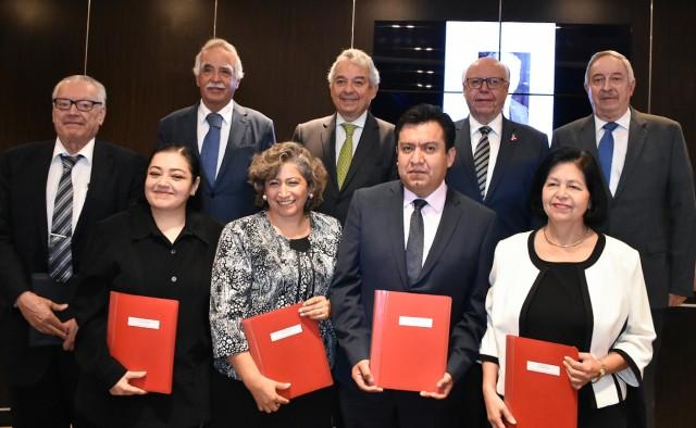 El Secretario de Salud encabezó la entrega del Premio Anual de Investigación Pediátrica Aarón Sáenz 2016-2017.