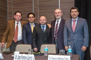CP. Juan José Irazábal,Dr. Abel Ramírez, Dr. Jesús González, Dr. Francisco MArtínez y Dr. Jans Fromow