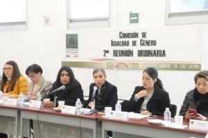 La Comisión de Igualdad de Género aprobó exhortar a las dependencias del gobierno federal para que entreguen un informe sobre el ejercicio de los recursos del Anexo 13 del Presupuesto de Egresos de la Federación 2018, relativo a Erogaciones para la Igualdad entre Mujeres y Hombres.