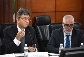 Al respecto, el Subsecretario de Prevención y Promoción de la Salud, Pablo Kuri Morales, explicó que al inicio de la administración se reportaban 960 defunciones maternas, tanto directas como indirectas, y que colocaban a México lejos de los Objetivos de Desarrollo del Milenio.
