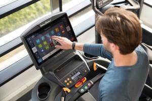 Matrix Fitness ofrece una experiencia de acondicionamiento físico, a través de las soluciones de conectividad de sus equipos.Connected Solutions un sistema completo de soluciones digitales para crear una experiencia de ejercicio digital única en su tipo.