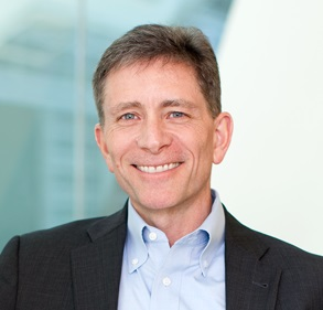 """""""Durante casi 4 décadas, Amgen ha estado a la vanguardia de la ciencia más innovadora que ha ayudado a cambiar los paradigmas de tratamiento para pacientes con cánceres hematológicos difíciles de tratar. Hoy, estamos en la cúspide de una nueva ola de avances que aprovechan el sistema inmunológico del cuerpo para transformar el tratamiento del cáncer"""",David M. Reese, M.D.,Vicepresidente Ejecutivo de Investigación y DesarrollodeAmgen,"""