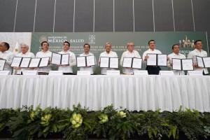 Firman acuerdo para garantizar el derecho de acceso a los servicios de salud y medicamentos gratuitos de la población sin seguridad social