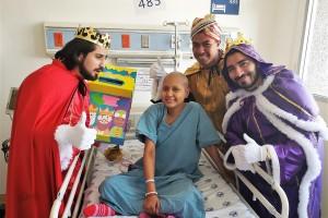 Los Tres Reyes Magos: Melchor, Gaspar y Baltazar hicieron una escala en el Hospital Juàrez de Mèxico, para saludar y entregar sus juguetes a los pacientes pediátricos, a los niños que acudieron a consulta y a muchos pequeños más que acudieron como invitados especiales.