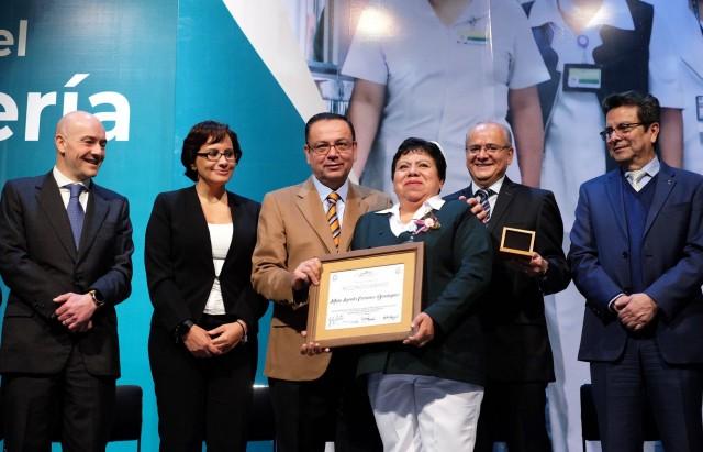 El Director General del IMSS, Germán Martínez Cázares, encabezó la entrega de medallas, diplomas y estímulos económicos con los que se reconoció su labor, investigación y compromiso.