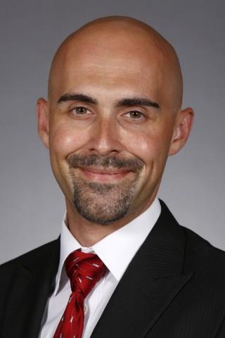 Auriel Willette, profesor asistente del Departamento de Ciencia de Alimentos y Nutrición Humana de la Universidad Estatal de Iowa.