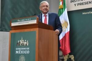 """Presidente López Obrador durante la presentación del Plan IMSS 2018-2024 subrayó que """"no se permitirá la corrupción en las compras de medicamentos""""."""