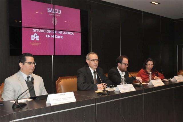 A la conferencia de prensa asistieron los directores generales del Centro Nacional para la Salud de la Infancia y la Adolescencia (CENSia) y de Epidemiología, Miriam Esther Veras Godoy y José Luis Alomía Zagarra, respectivamente