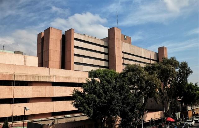 Es el hospital de las primeras veces y referente en el país en trasplante de órganos y tratamiento de malformaciones congénitas severas.