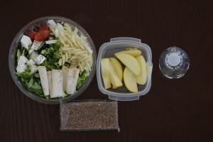 El refrigerio es una pequeña comida que se sugiere realizar a media mañana y por la tarde para tener suficiente energía durante el día.
