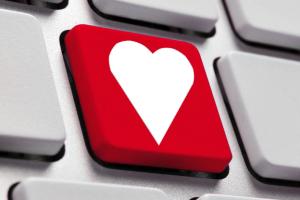 teclado con tecla con icono de corazón