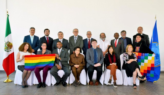 Expertos internacionales de la OPS/OMS reconocen el liderazgo mexicano en la transformación de sistemas de salud.