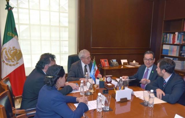 A la reunión asistieron el Director General de Relaciones Internacionales (DGRI). Alejandro Svarch, la Especialista Regional de Alianzas de UNOPS para América Latina y el Caribe, Erika Paredes, y el Director General para la Organización de las Naciones Unidas, Eduardo Jaramillo Navarrete.
