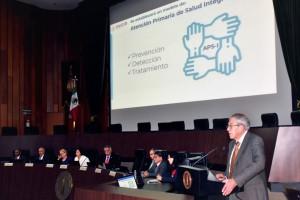 En la ceremonia estuvieron presentes la Presidenta de la Academia Nacional de Medicina de México, Teresita Corona Vázquez; la Subsecretaria de Integración y Desarrollo del Sector Salud, Asa Ebba Cristina Laurell y el Subsecretario de Prevención y Promoción de la Salud, Hugo López-Gatell Ramírez.