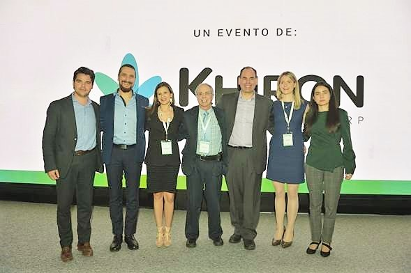 De izquierda a derecha: Andrés Galofre, Dr. Edwin Bendek, Dra. María Fernanda Arboleda, Dr. Ethan Russo, Michael Boivin, Dra. Caroline MacCallum, Laura Gómez
