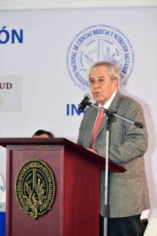 El doctor Alcocer Varela señaló que para recuperar la atención integral se necesita de los valores que forja el instituto en especial, la lealtad.