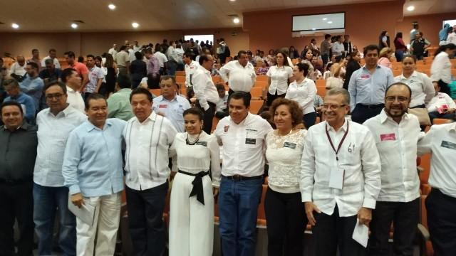 En la organización de este ejercicio de participación ciudadana contribuyeron el delegado del Gobierno de México en Guerrero, Pablo Amílcar Sandoval; el coordinador de la Consulta, José Inocente Ariza; el secretario de Salud del estado, Carlos de la Peña, y el gobierno del estado.