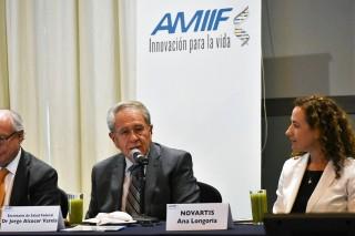 En México, el sistema de salud enfrenta insuficiencia de medicamentos e insumos básicos, por lo que es necesario que la industria farmacéutica del país se sume para atender esta necesidad y hacer frente a la desigualdad en esta materia, específicamente en la prevención, detección y tratamiento, aseguró Secretario de Salud, Jorge Alcocer Varela.