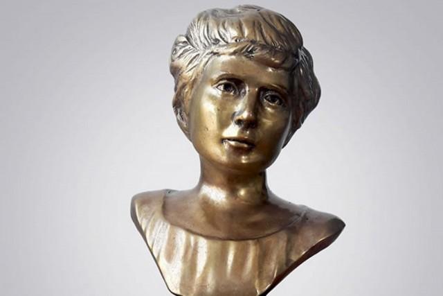 Busto de Elva Carrillo Puerto