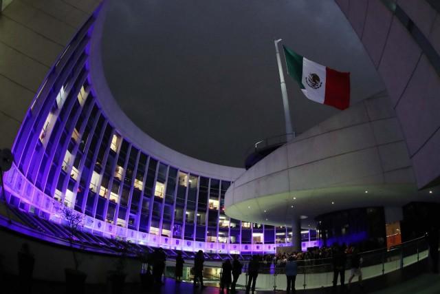 iluminación del edificio del Senado