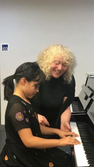Desde hace 12 años, la educación musical en México tiene un nuevo camino pedagógico, gracias a la metodología Suzuki que ha logrado que miles de niños de nuestro país se acerquen y se interesen en estudiar a temprana edad algún instrumento.