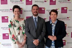 De izquierda a derecha: Aude Boclé, Directora General de Biocodex México; Dr. José Lorenzo García, Corresponsal de la Biocodex Microbiota Foundation en México; y Dra. Solange Heller, Presidenta del Comité Científico de la Biocodex Microbiota Foundation en México.