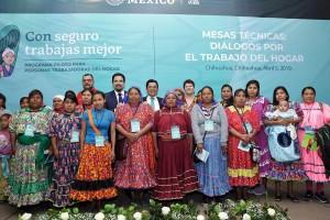 Participaron representantes de los tres niveles de gobierno, legisladores, empresarios, organismos de la sociedad civil, empleadores y trabajadoras del hogar de la comunidad Tarahumara, entre otros.