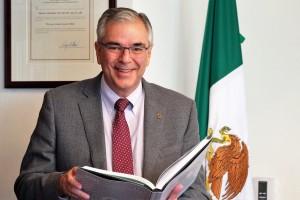 El Director de Prestaciones Económicas y Sociales del IMSS, Mauricio Hernández, señaló que se modernizarán las unidades deportivas y Centros de Seguridad Social para ofrecer mayor capacidad de atención y optimizar sus instalaciones.