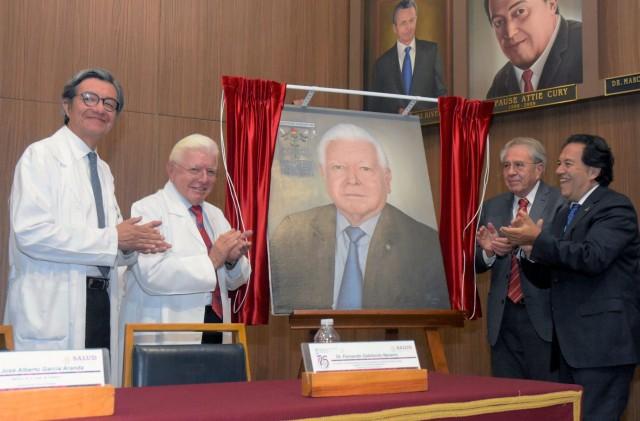 Durante la ceremonia de toma de protesta se le entregó un reconocimiento y se develó el retrato del doctor Marco Antonio Martínez Ríos, quien estuvo al frente del INC por una década.