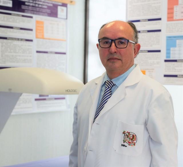 """Dr. Guillermo Ortiz Luna coordinador del Programa de Peri y Postmenopausia del Instituto Nacional de Perinatología """"Dr. Isidro Espinosa de los Reyes""""."""
