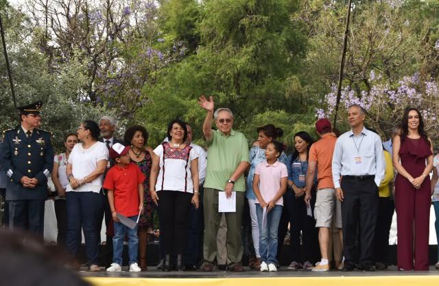 Se contó con la presencia de la presidenta de la Comisión de Derechos Humanos de la Ciudad de México, Nashieli Ramírez Hernández; el Secretario Ejecutivo del Sistema Nacional de Protección Integral de Niñas, Niños y Adolescentes (SIPINNA), Ricardo Antonio Bucio Mujica; la Titular de la Secretaria de Gobierno de la CDMX, Rosa Icela Rodríguez Velázquez y el presidente de la Comisión de Cultura y Cinematografía de la Cámara de Diputados, Sergio Mayer Bretón, entre otros.