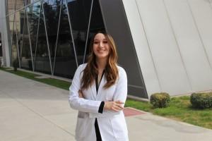 Katya Unzueta, estudiante de medicina del Tec de Monterrey, desarrolló la empresa DetectAn, la cual se especializa en realizar pruebas caseras de enfermedades, ahorrando los procesos de laboratorio y poniendo los exámenes al alcance de todos.