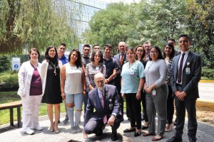 A través de planes de capacitación en áreas administrativas u de servicios, el Centro Médico ABC busca incorporar a jóvenes de entre 18 y 29 años al sector laboral.