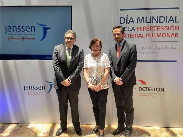 Dr. Tomás Pulido, Paula Cabral y Dr. Santiago Posada