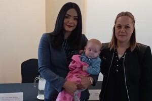 Dra. Lina Gabriela Villar Muñoz, Yahidania Real con su hija
