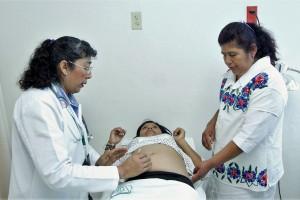 Hay 46 Centros de Atención Rural Obstétrica (CARO) para la atención de la mujer embarazada, y que cuentan con personal médico y de enfermería capacitado