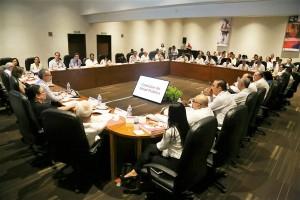 secretarios y representantes de Salud de las 32 entidades federativas