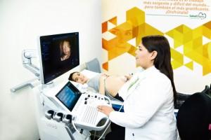 La tecnología y los precios disruptivamente bajos de Salud Digna permiten a las pacientes realizarse en promedio tres ultrasonidos obstétricos subsecuentes.
