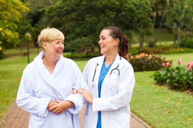 Espacios naturales en hospitales, mejoran calidad de vida de los pacientes