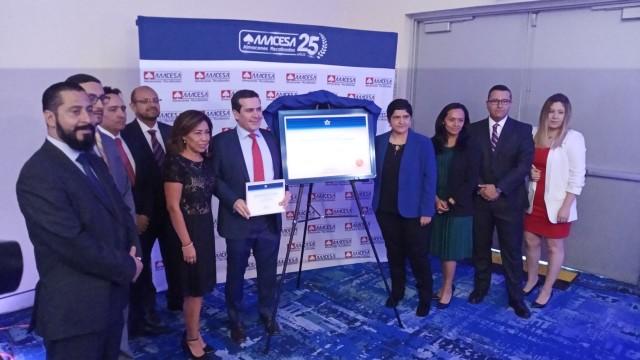 Evento de develación de placa y conferencia de prensaanuncio de AAACESA logra el primer CEIV Pharma en México corroborando su seguridad y correcto resguardo de productos farmacéuticos que requieren cadena de Frío.